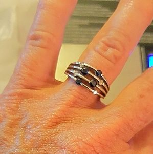 14K WHITE GOLD RING W/ SAPPHIRES & DIAMINDS
